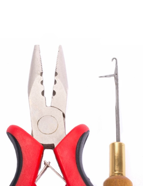 Hair-Couture-Red-Plier-and-Hook-set-close-up